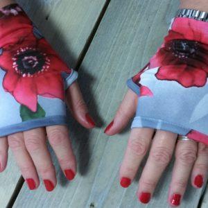 UV handschoenen rode bloemenprint